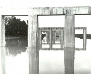 Piers in the floodplain - Extension of the bridge in the floodplain with tapered piers during a flood